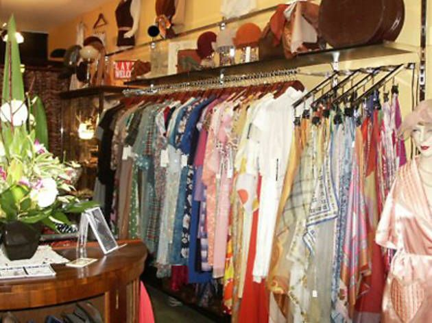 The Best Vintage Shops In Melbourne Vintage Outfits Australia Tourism Melbourne