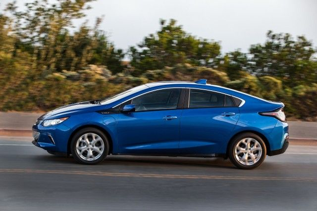 2018 Chevrolet Volt Plug In Hybrid Carries Over With Few Changes