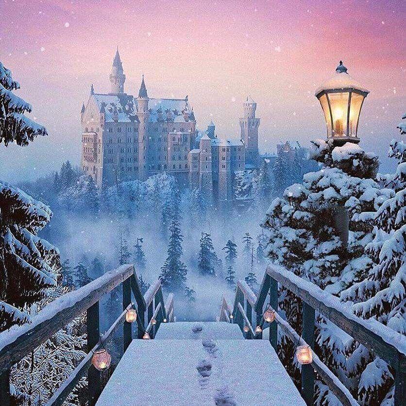 How Amazing Is This Castle In Germany Schloss Neuschwanstein Winter Scenery Winter Pictures Neuschwanstein Castle