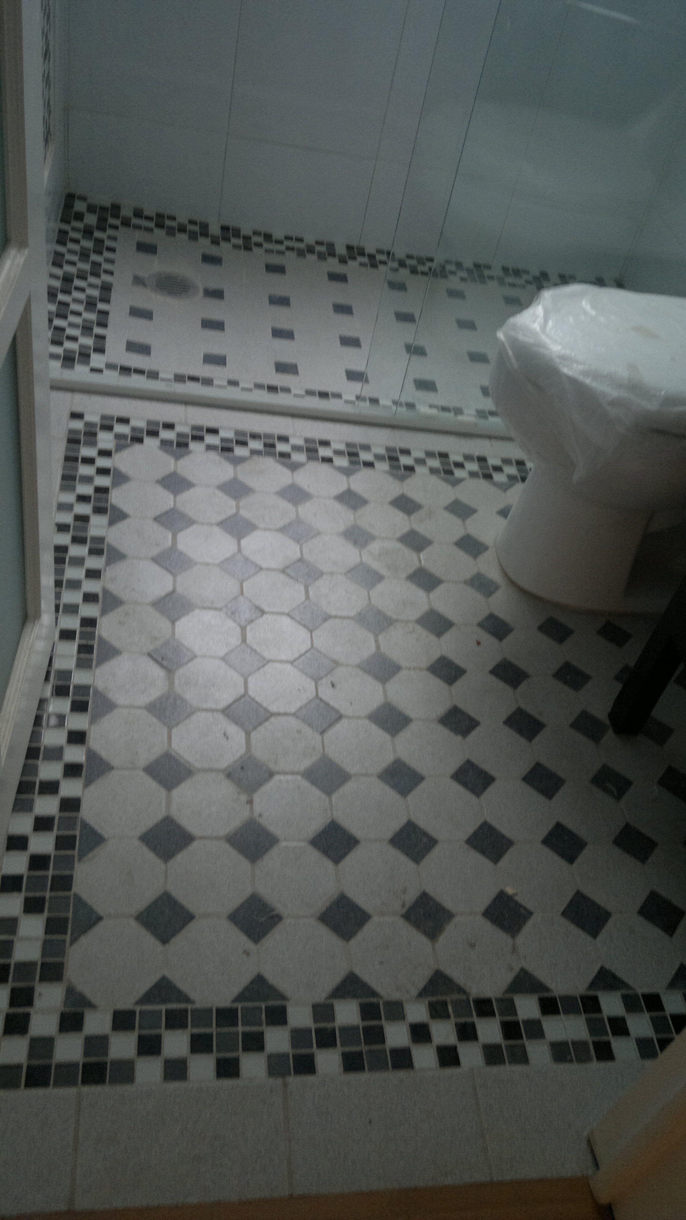 Diseño y fabricación de piso para baño en edificio antiguo de la ...