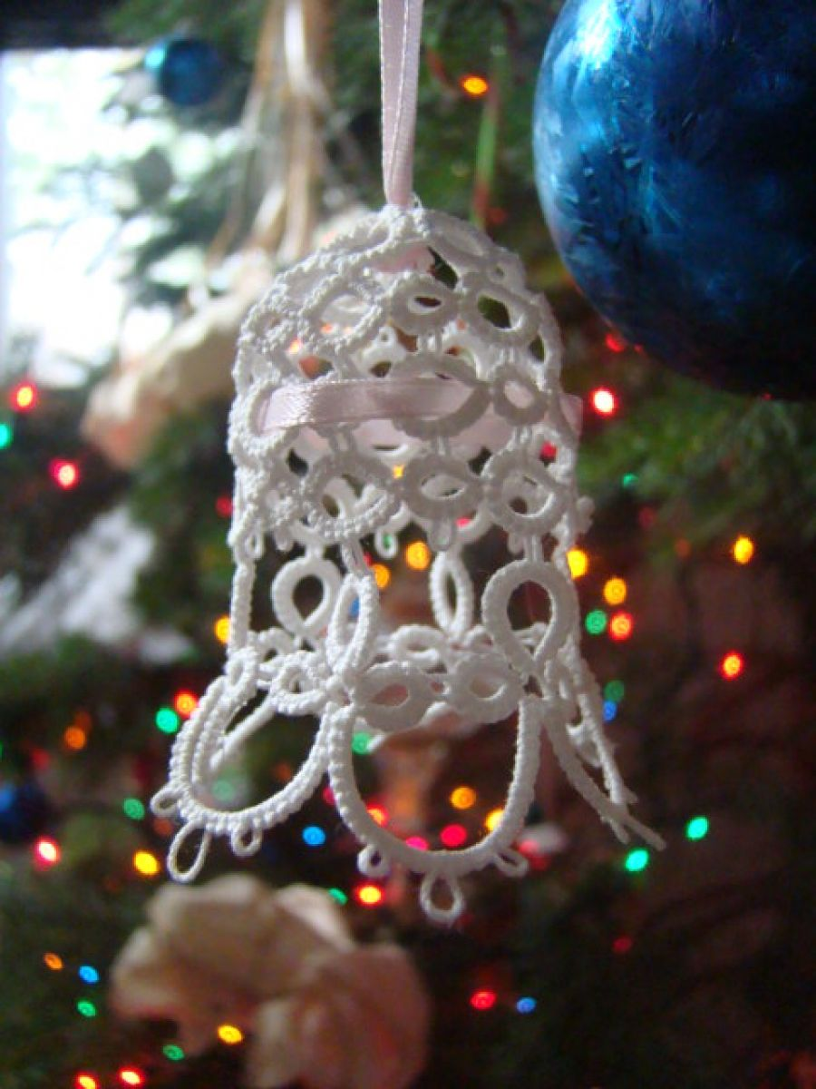 Click to preview image   Tatting patterns, Christmas bells, Crafts