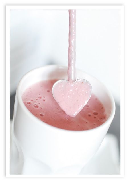 a fresh smoothie with a mix of fruits and berries.   Strawberry, banana, apple juice and a dash of milk or yogurt. very easy and tasty ..