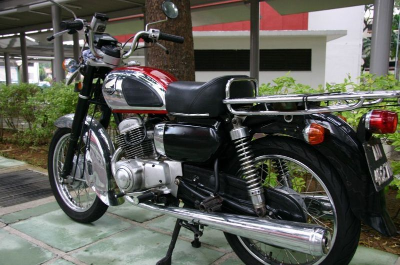 Honda CD 185cc Year 1978 The Red Black And Chrome Is Working