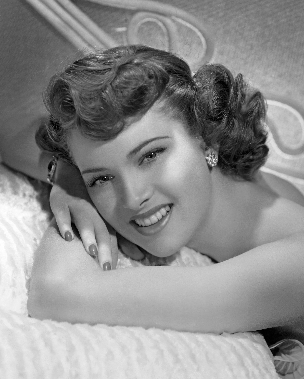 Watch Frances Robinson (actress) video