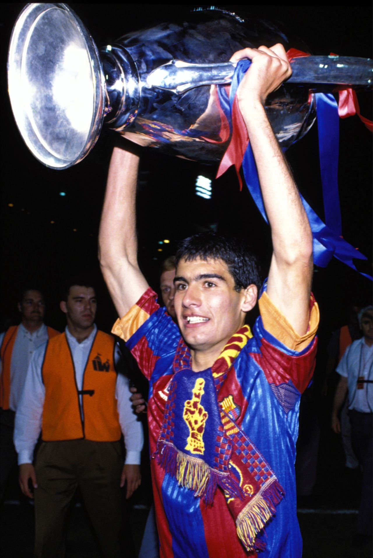 """03. Guardiola aixecant la Champions del 92. Josep """"Pep"""" Guardiola i Sala made 479 appearances from 1990 to 2001. On 11 April 2001, Barcelona's captain announced his intention to leave the club after 17 years of service as a player-leader."""