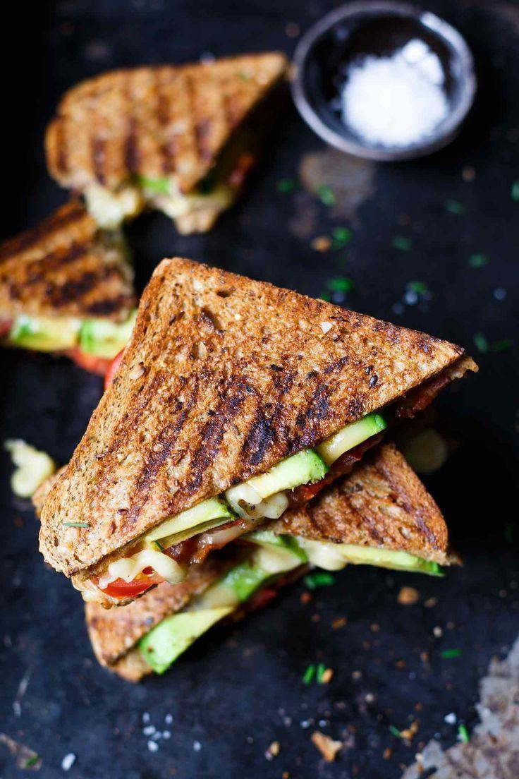 Avocado Bacon Grilled Cheese Sandwich Werbung. Avocado Bacon Grilled Cheese Sandwich. OMG, wie einf