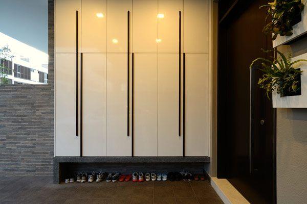 Interior, Modern Mudroom Design With Shoe Storage And Glossy White Storage  Door: Contemporary Design