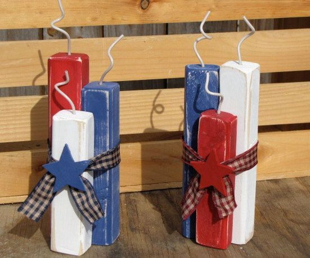 30 Easy And Cheap Decoration For 4th Of July Trenduhome Wood Crafts Diy 4th Of July Decorations Fourth Of July Decor
