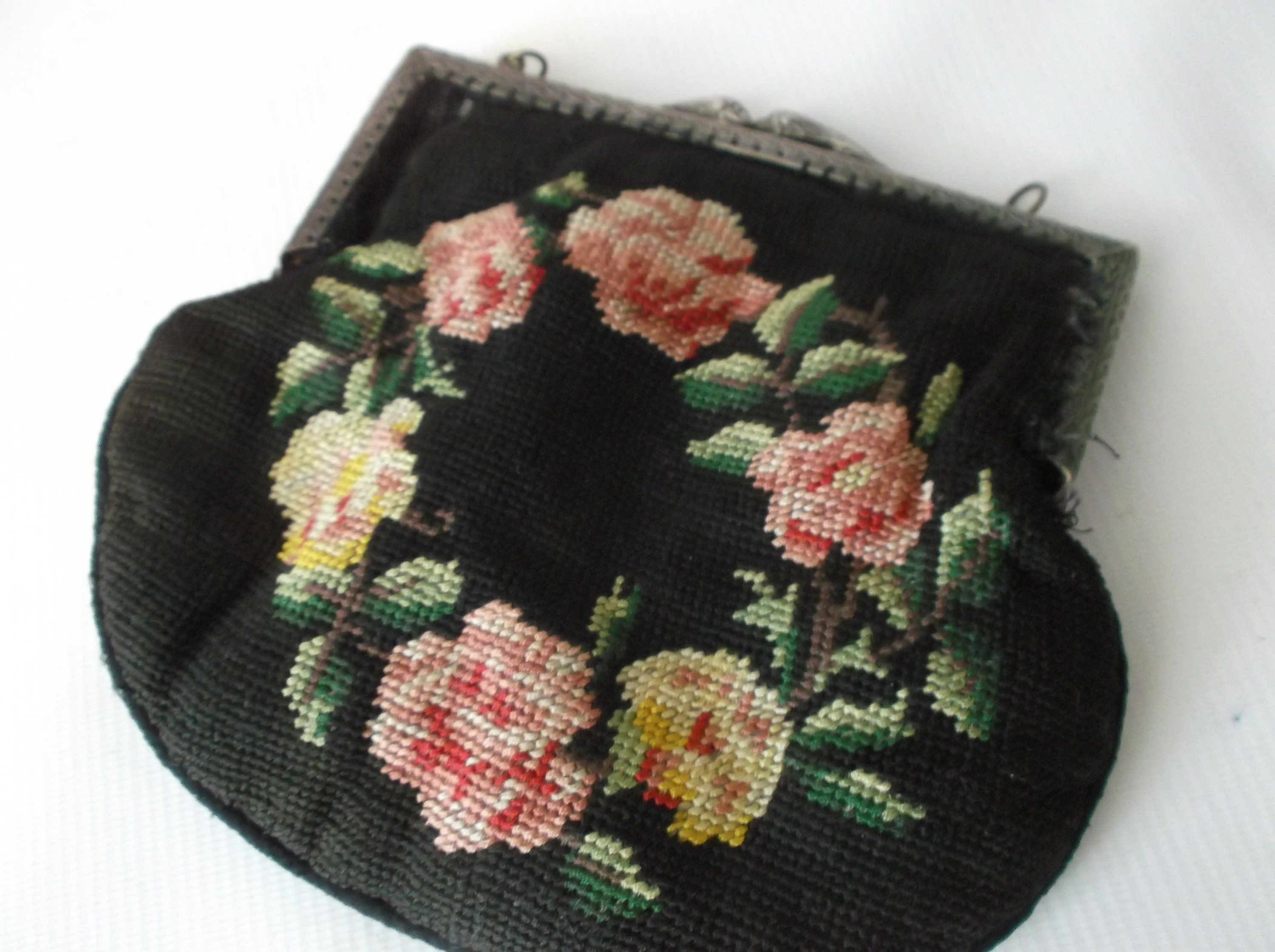 Antique clutch circa s s black needlepoint roses kiss clasp
