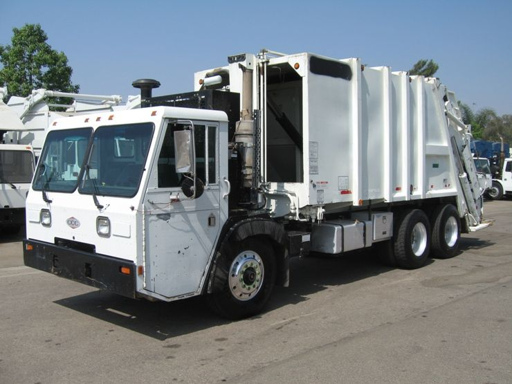 2002 Crane Carrier Let40 F With Pak Mor Rear Loader Cat C 10 305hp Engine Allison Hd4560 Automatic Pak Mor Garbage Truck Commercial Vehicle Trucks For Sale