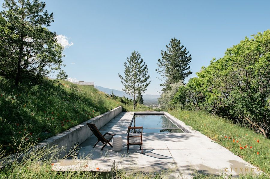 outdoor design, pool, minimalism, poolside chairs, spa, mountain, hillside pool, cityhomeCOLLECTIVE