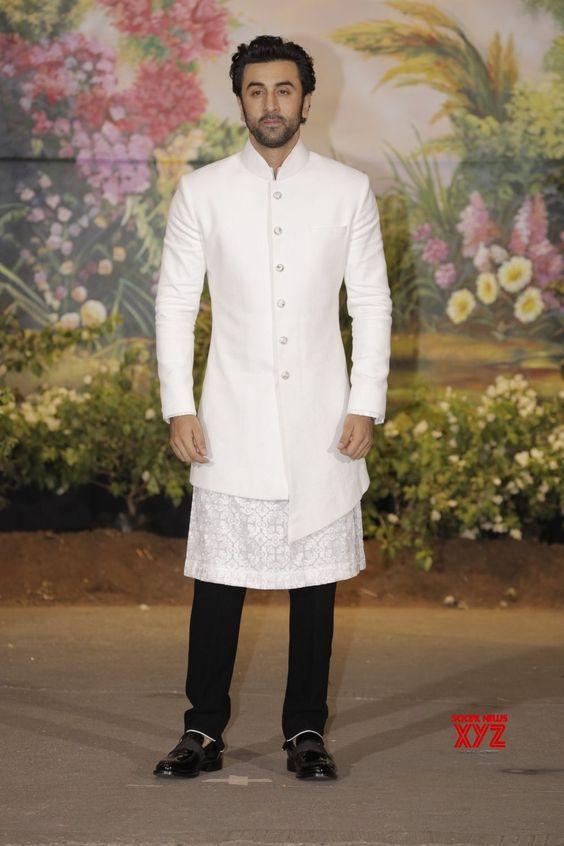 Pin by Moral Story in Hindi on Ranbir kapoor | Indian men ...