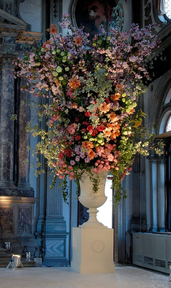 Pin By Ren Ee Bryant On Awesome Hotel Floral Arrangements
