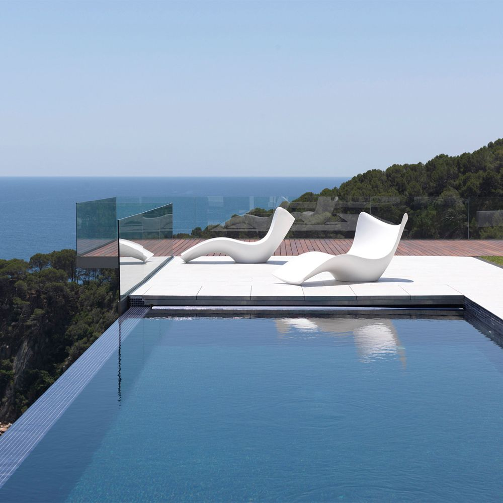Vondom Surf Sun Chaise | Outdoor living rooms, Perfect place and ...