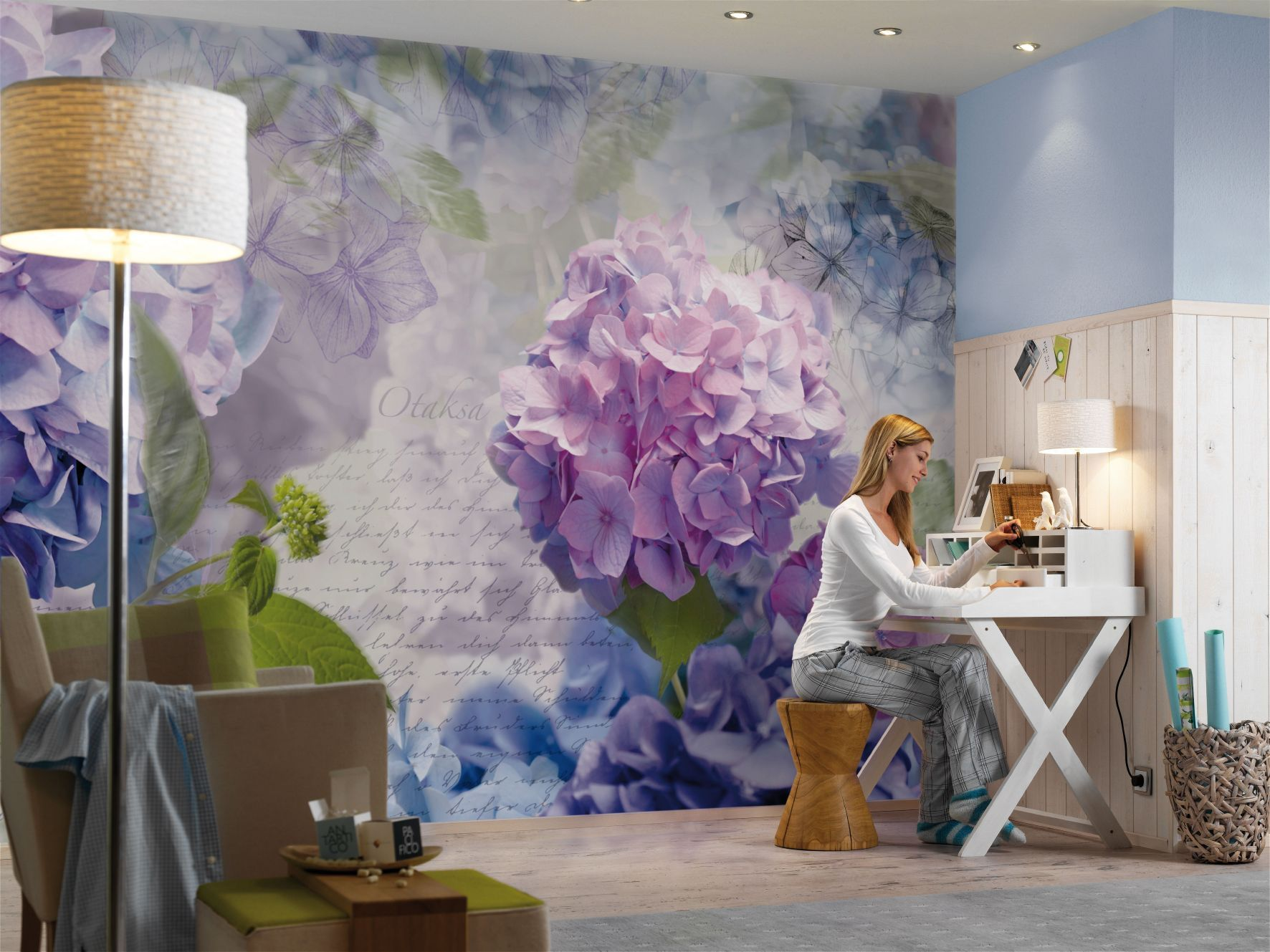 Praxis grote blauw paarse bloemen op de muur behang for Bloemen behang praxis