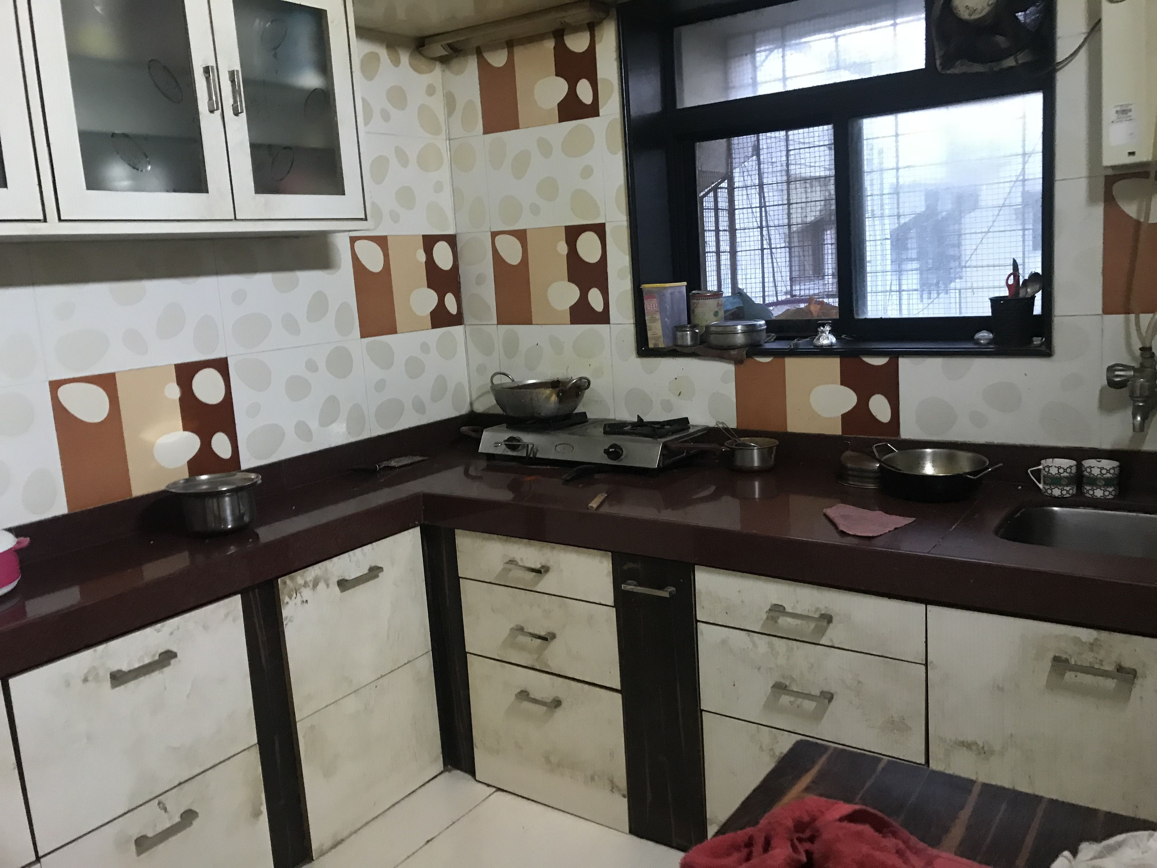 Id00077 2bhk Vile Parle West 12 15 Mins Walk From College 2acs Fridge Washing Machine Oven 1 Double Bed 2 Single Bed Kitchen Cabinets Home Decor