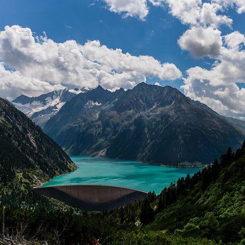 Schlegeis Reservoir in Zillertaler Alps, Austria (by Thomas Richter).