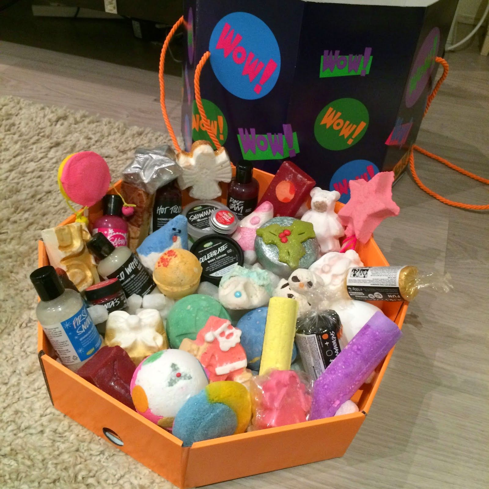 WOW Lush Christmas Box!! This a a box of love with : the ...