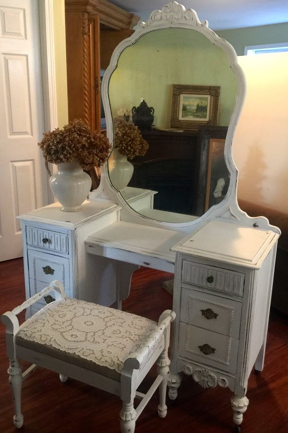 Beautiful 1930s vanity dresser with mirror and matching bench. Hand painted  with Annie Sloan Chalk paint, Pure White, waxed, distressed and waxed - Beautiful 1930s Vanity Dresser With Mirror And Matching Bench. Hand