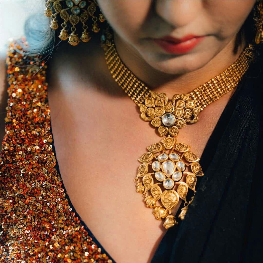 Azva modern gold necklace on weddingsutra bride goldjewellery