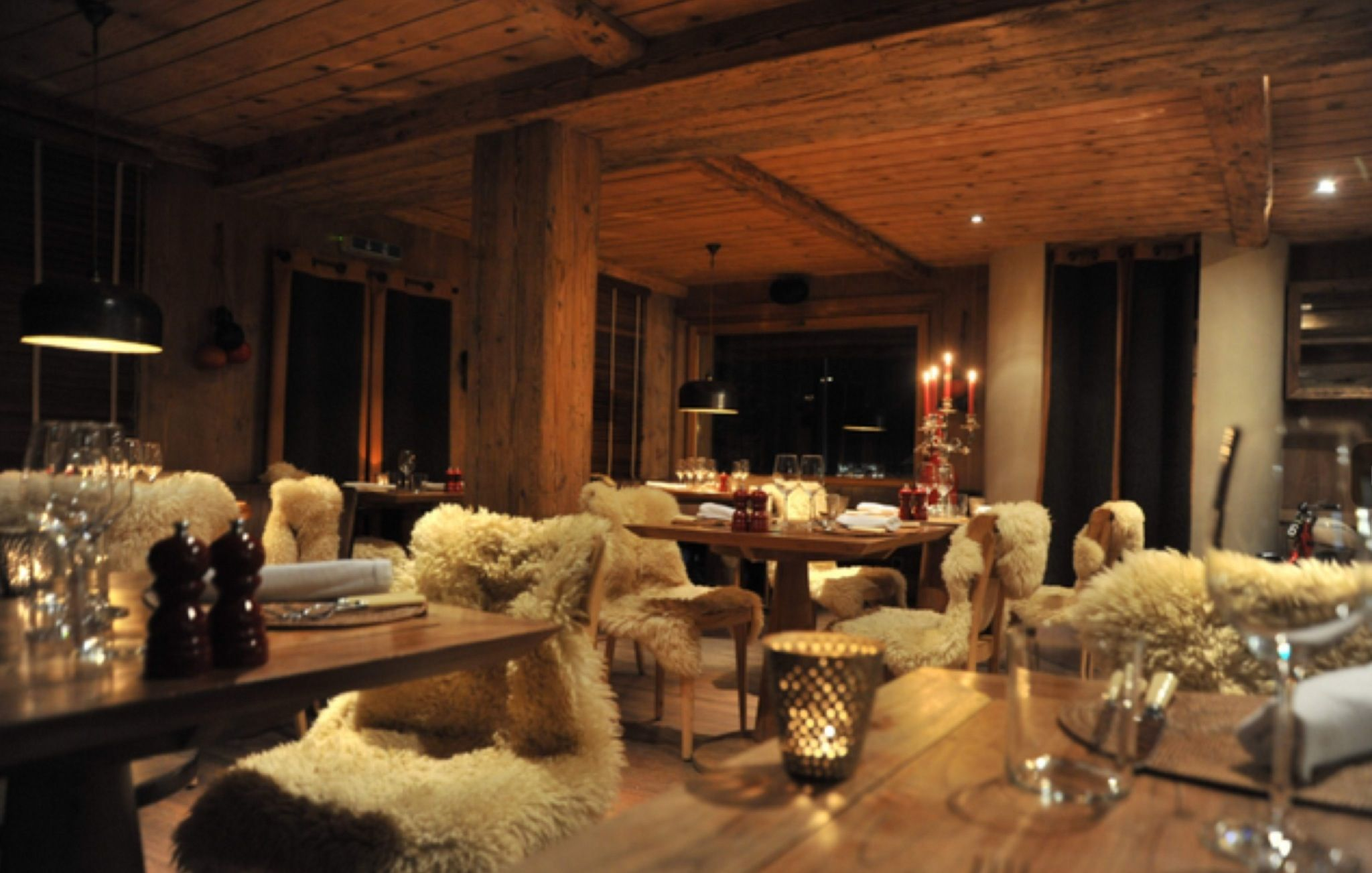 Le Rouge Restaurant Verbier # Chic Luxe