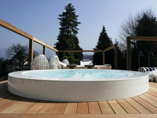 whirlpool im garten holzdielen weiß rund | garden ideas, Gartengestaltung