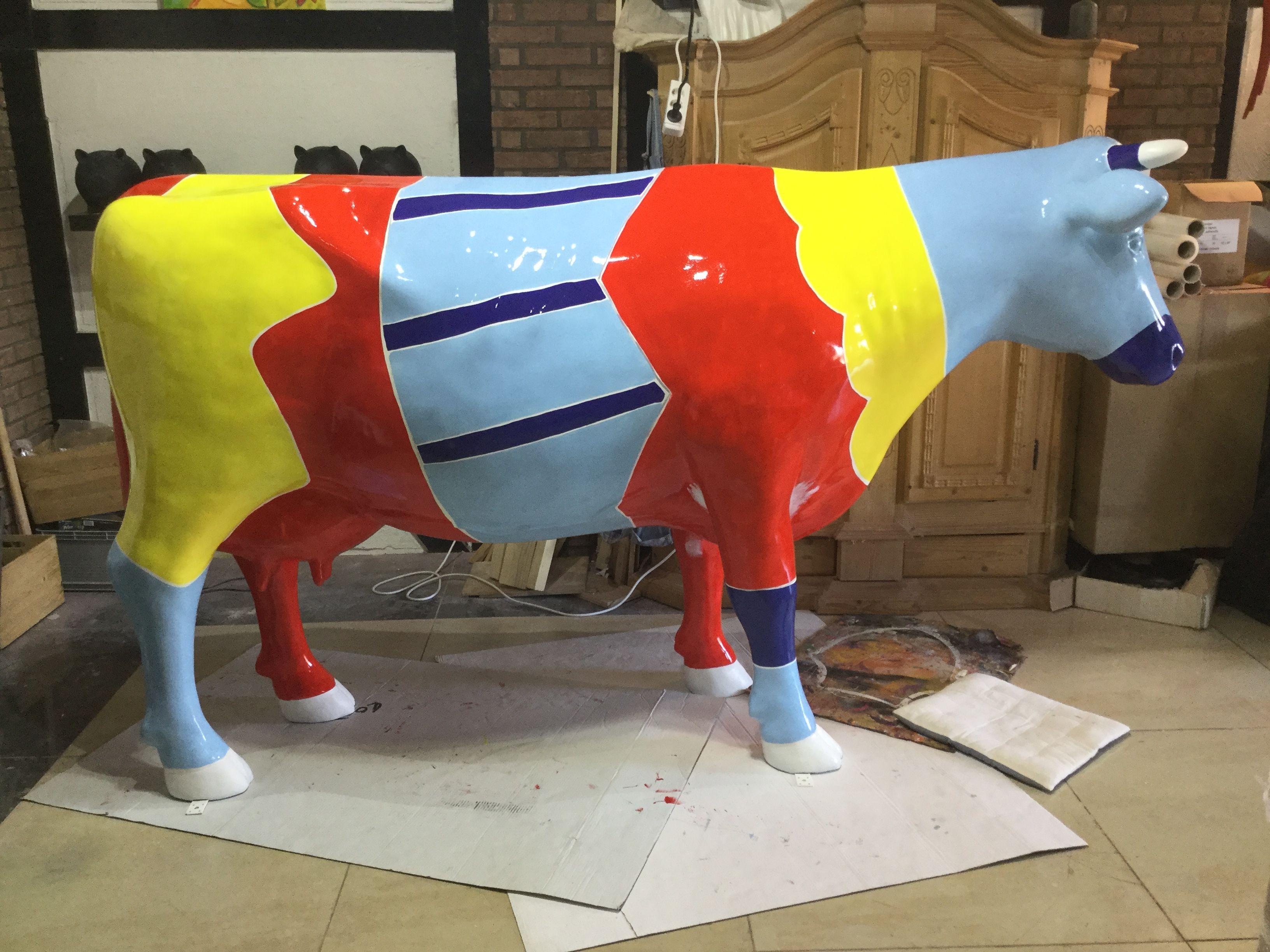 Diese Lebensgrosse Kuh 250 Cm Lange Wird Gerade Nach Kundenwunsch