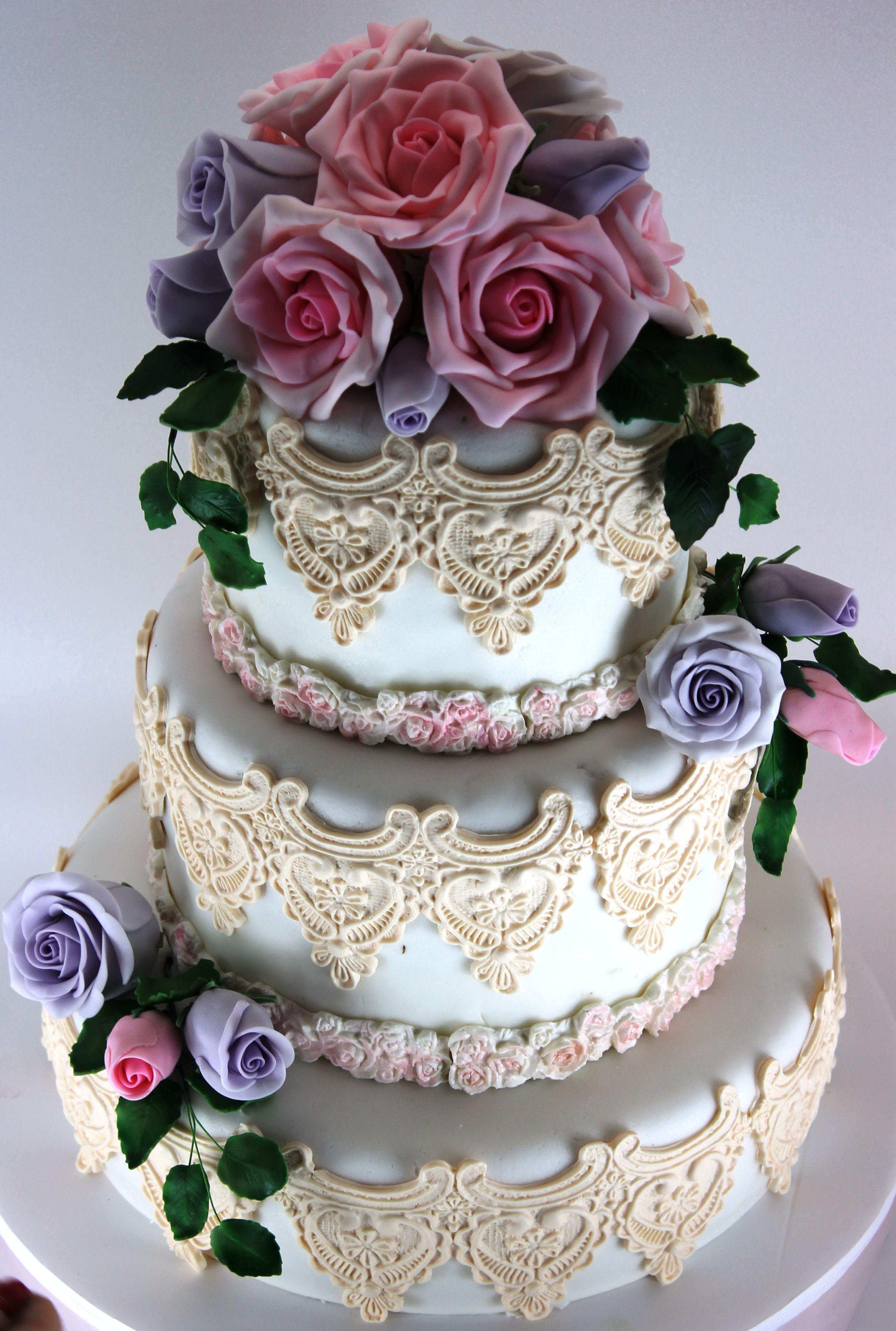 Wedding Cake Tort Nunta Dantela Si Trandafiri Roz Si Mov My Own