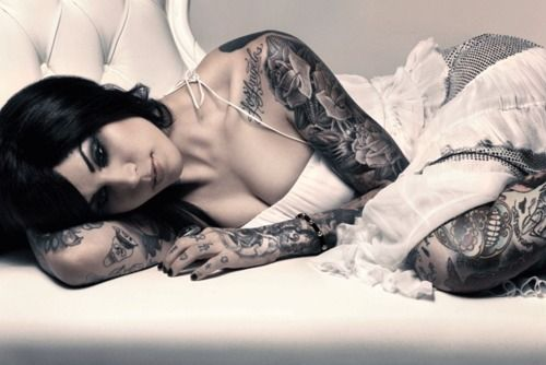 """Kat Von D - I DO like how her arms and legs are covered, making her """"trunk"""" appear extra pure."""