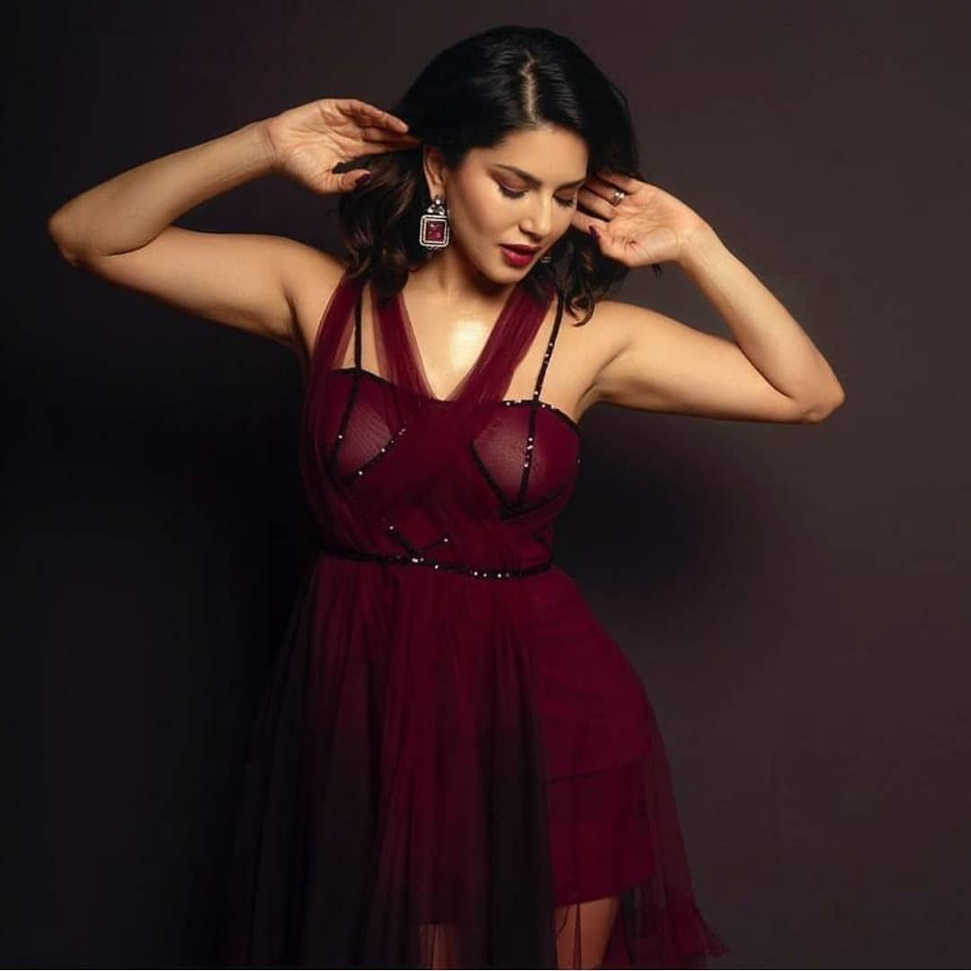 Sunny Leone Continues Her Love For Black As She Wears