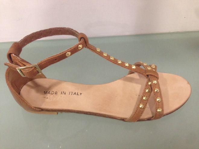 Sandalo basso cuoio con borchie vera pelle made in italy
