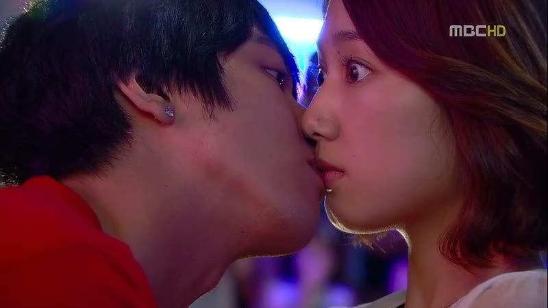 Park Shin Hye's 10 most awkward kissing scenes | Park shin hye, Kissing  scenes, Kdrama