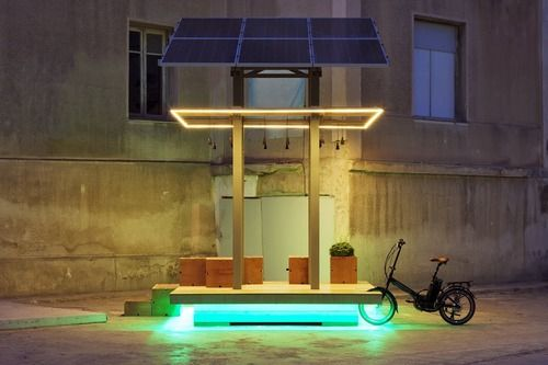 AKTINA by Cityindex Lab and Energize, a public solar-powered charging station equipped with wifi in Elefsina, Greece