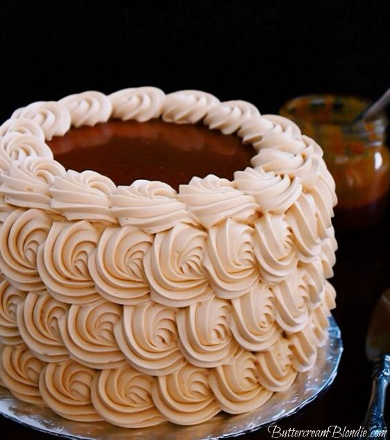 ♔ Caramel Apple Dream Cake - incredible apple spice cake filled with luscious caramel frosting!   ButtercreamBlondie.com