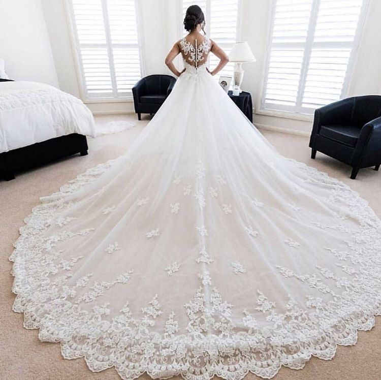 Gorgeous Wedding Dress With Huge Train And Beaded Lace Bodice Extravagant Wedding Dresses Wedding Dresses Huge Wedding Dresses
