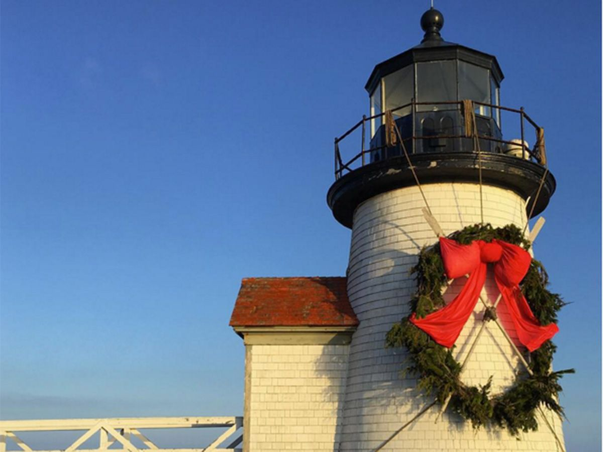 Nantucket Celebrates the Holidays with Stroll Weekend