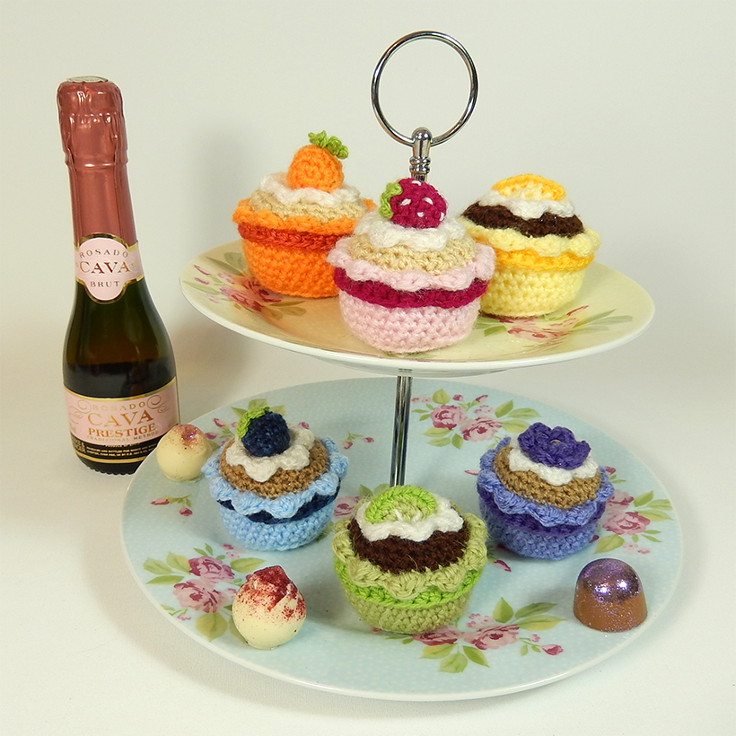 amazing colourful cupcakes free crochet pattern at Moji Moji ...