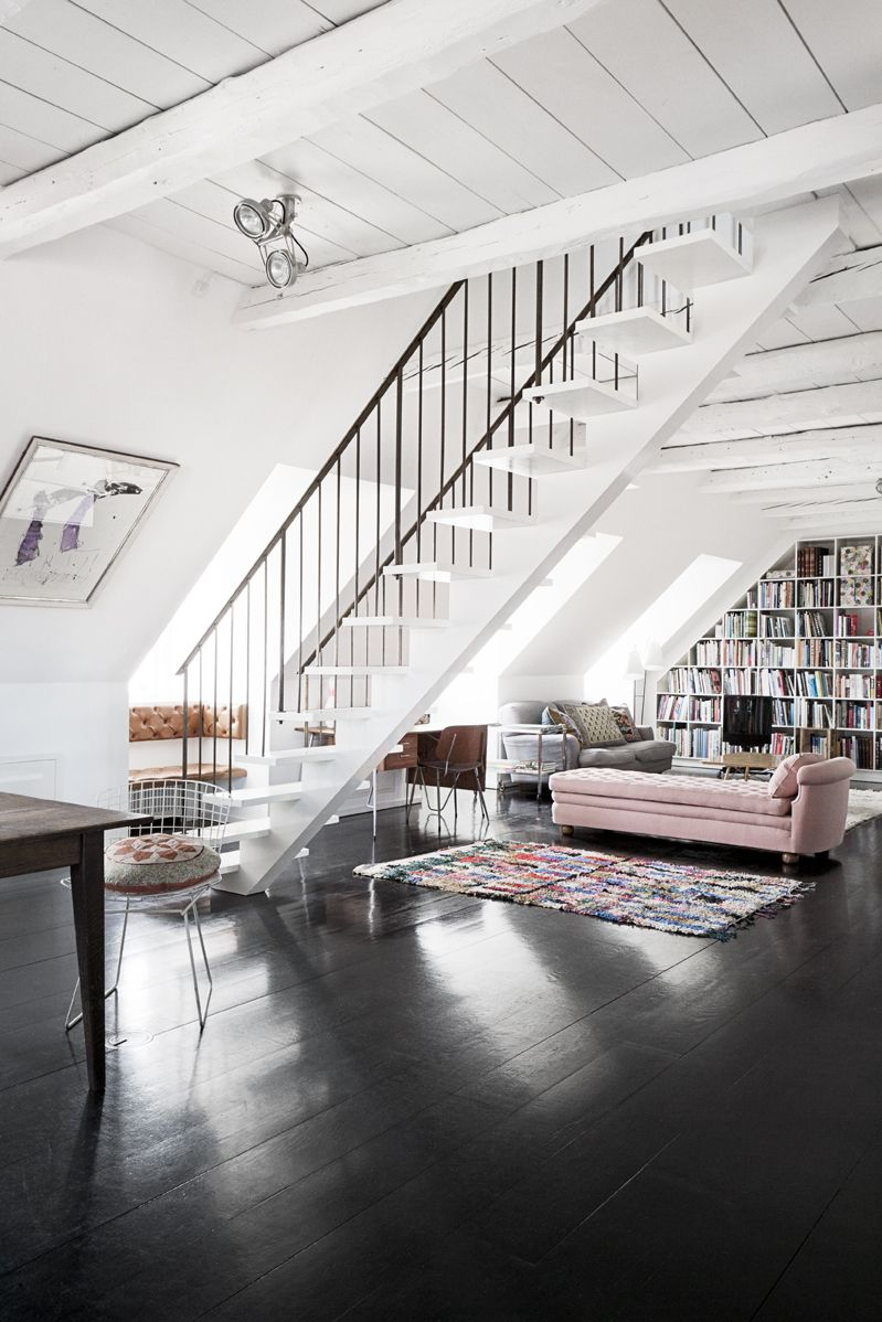 Dark Floors A Dramatic And Elegant Detail That Can Be Adapted To A Multitude Of Decors Loft Apartment House Design Architecture