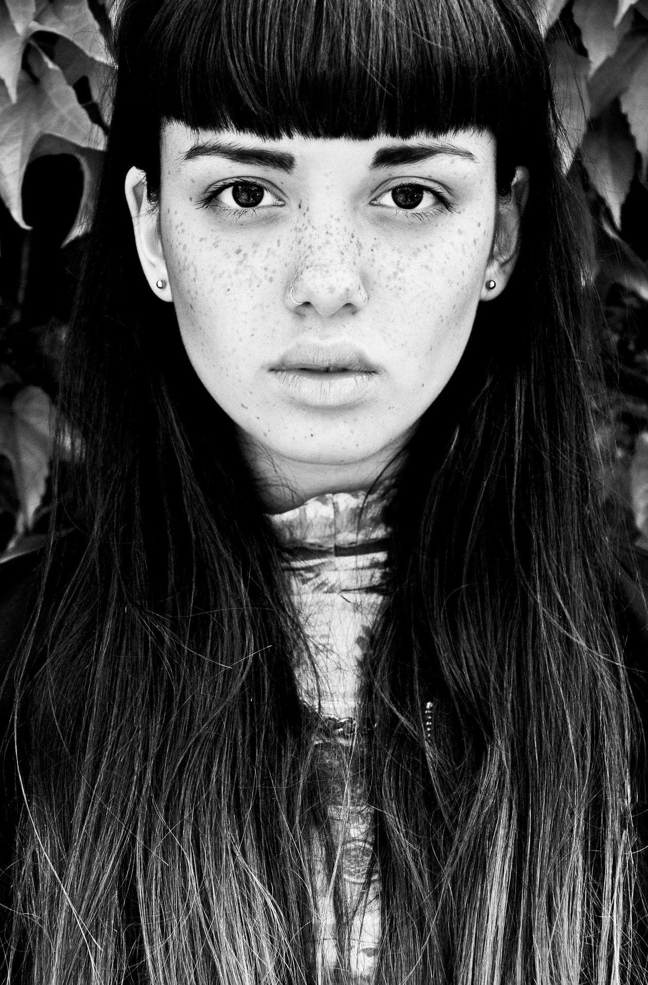 Pin di Gianluca Gobbi su Emily Bador   Fotografia, Bellezza