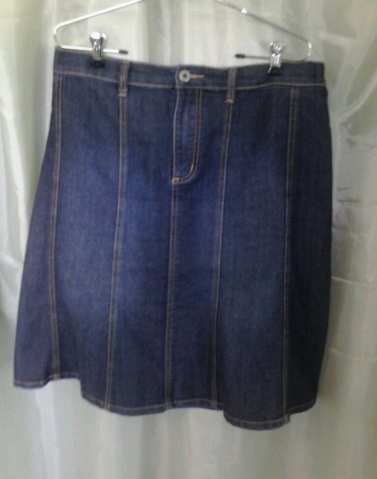 Women's Gloria Vanderbilt Denim Skirt Size 12 Waist 34