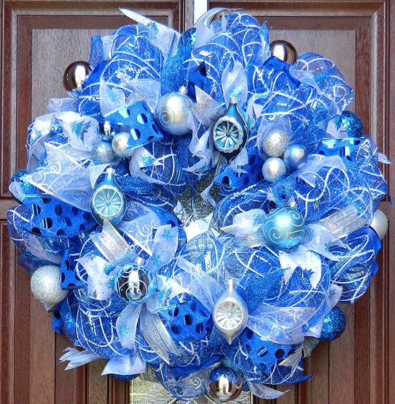 Blue Silver White Christmas Wreath Blue And Door Whatsonyourdoor 85 00 Deco Mesh Christmas Wreaths Christmas Mesh Wreaths Mesh Wreath Tutorial