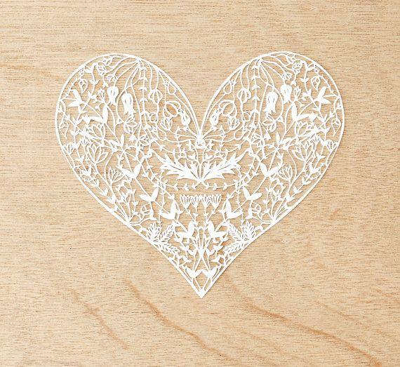 He encontrado este interesante anuncio de Etsy en https://www.etsy.com/es/listing/231467136/laser-cut-papercutting-artwork-white