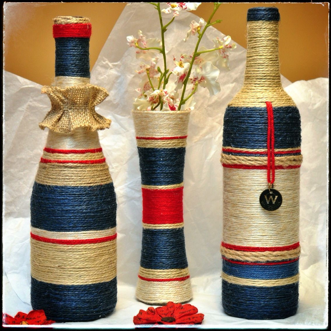 Blue red and beige set glass creations pinterest - Botellas de vino decoradas para navidad ...