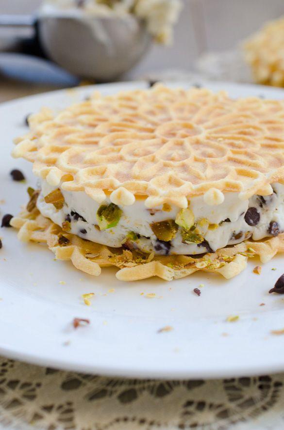 Cannoli Ice Cream Sandwiches #icecreamsandwich
