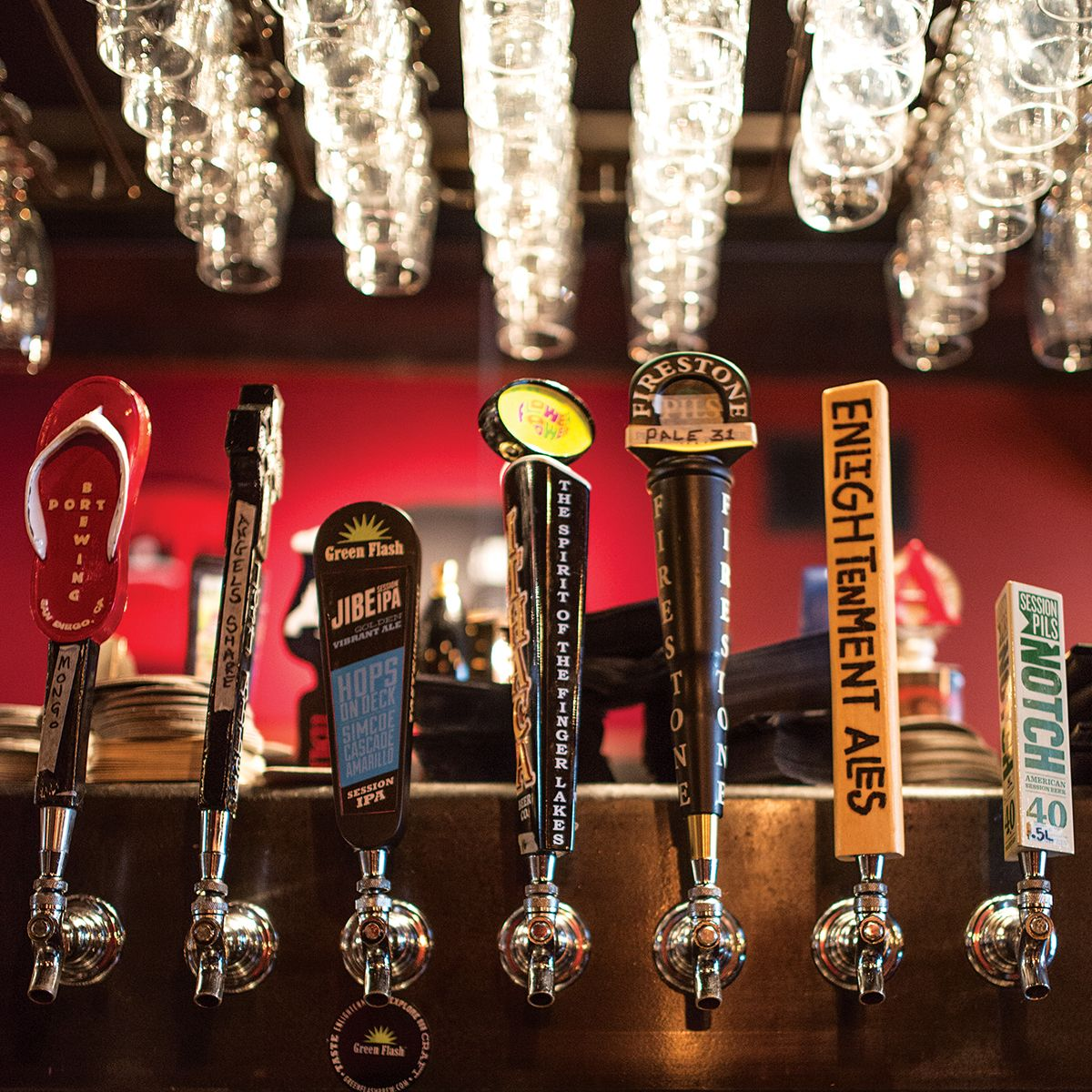 It S Possible To Sample A Few Must Try Local Varieties At Beer Bars Right In Boston Here Are The Five Beer Bars In Boston You Don Beer Bar Beer Restaurant Bar