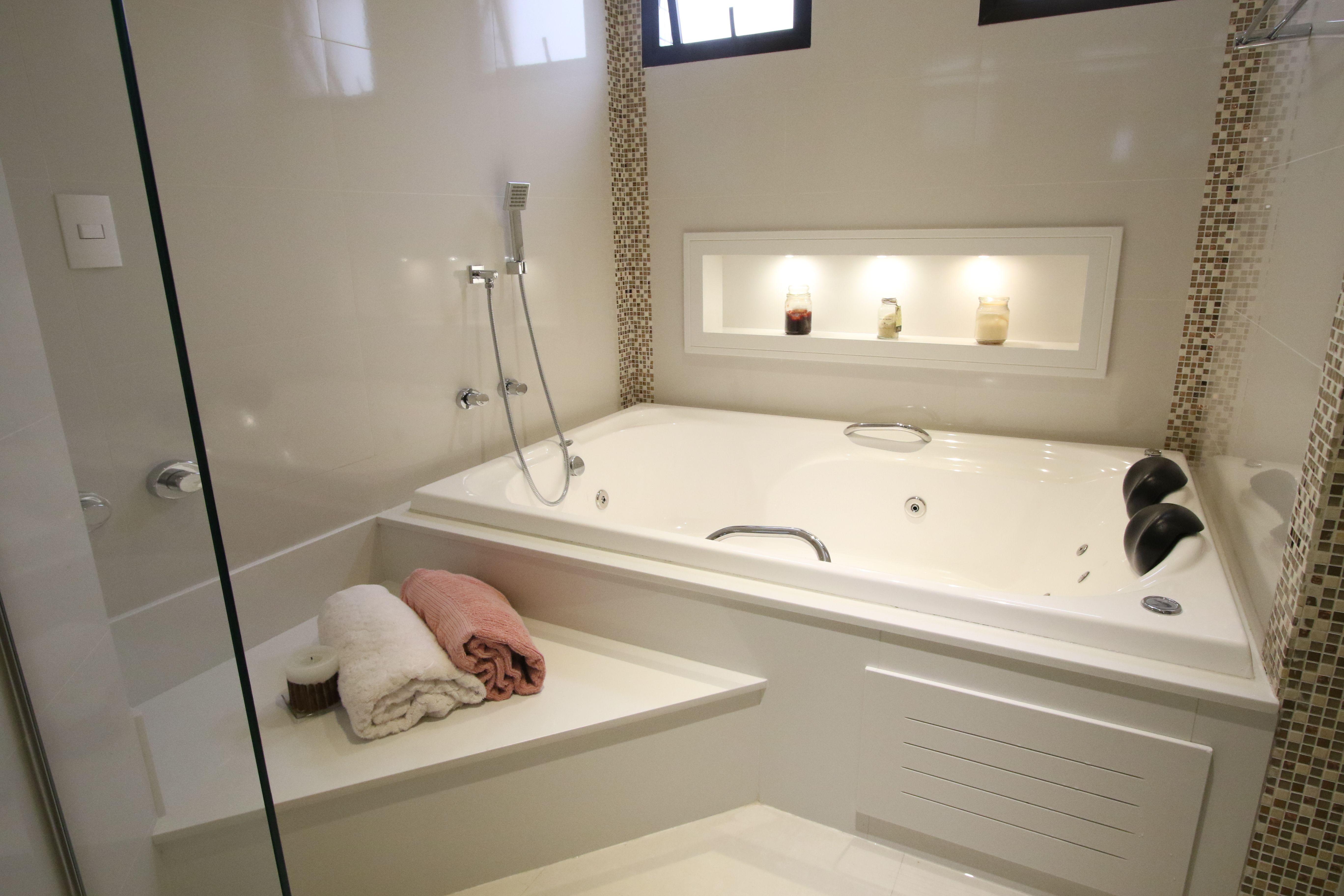 Ideias Banheiro Com Banheira : Banheiro banheira hidromassagem revestimentos brancos