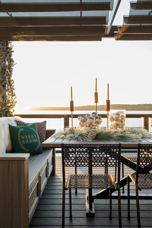 Cozy and Coastal Holidays at HGTV Dream Home | Hgtv, Decoration and ...