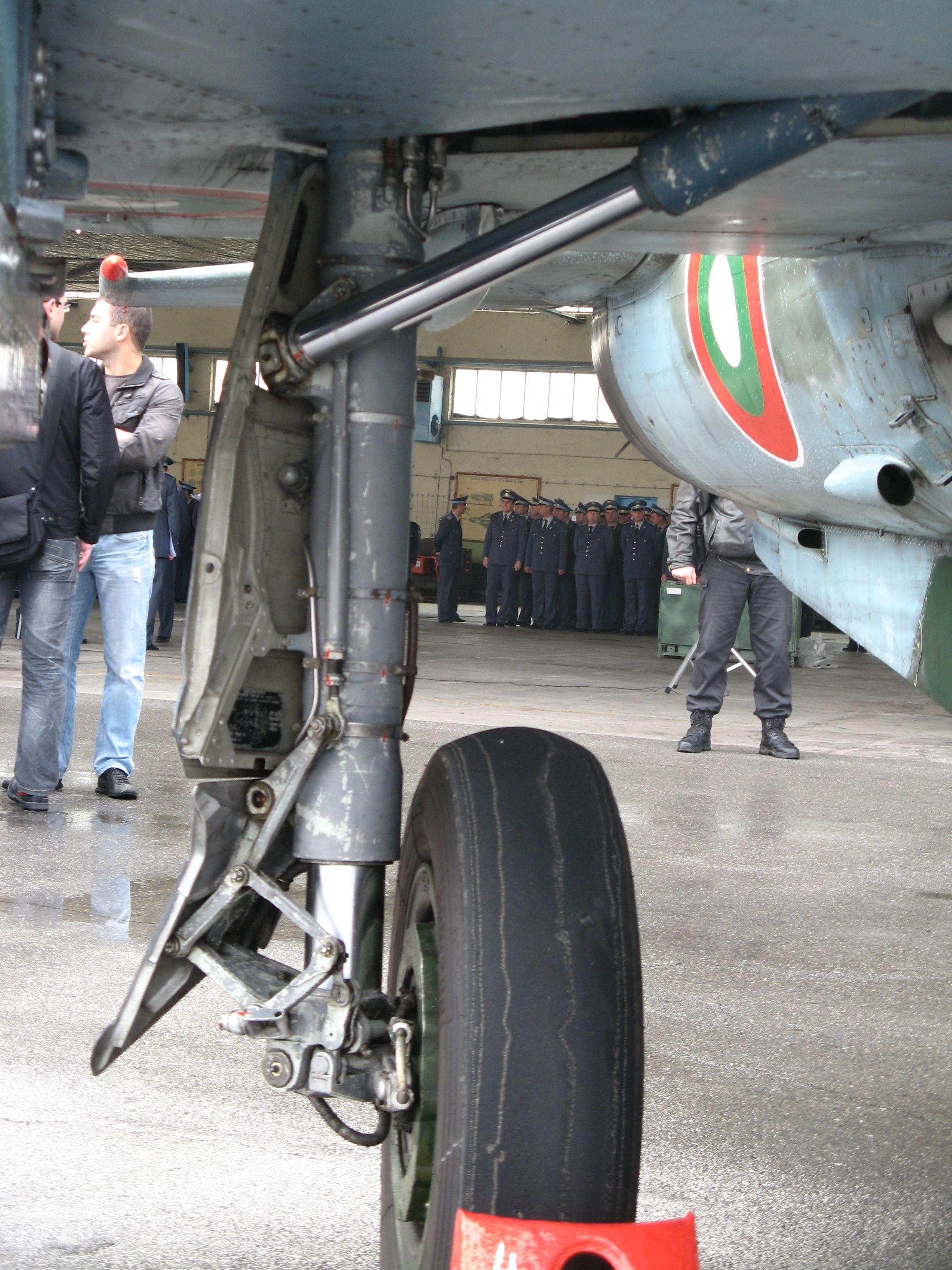 Pin by Manuel Bicudo on abandoned MIG Mig 21, Aircraft