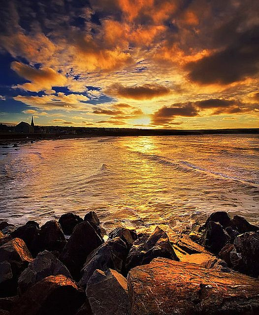 Thurso, . (photo by Stewart Watt, via Flickr).
