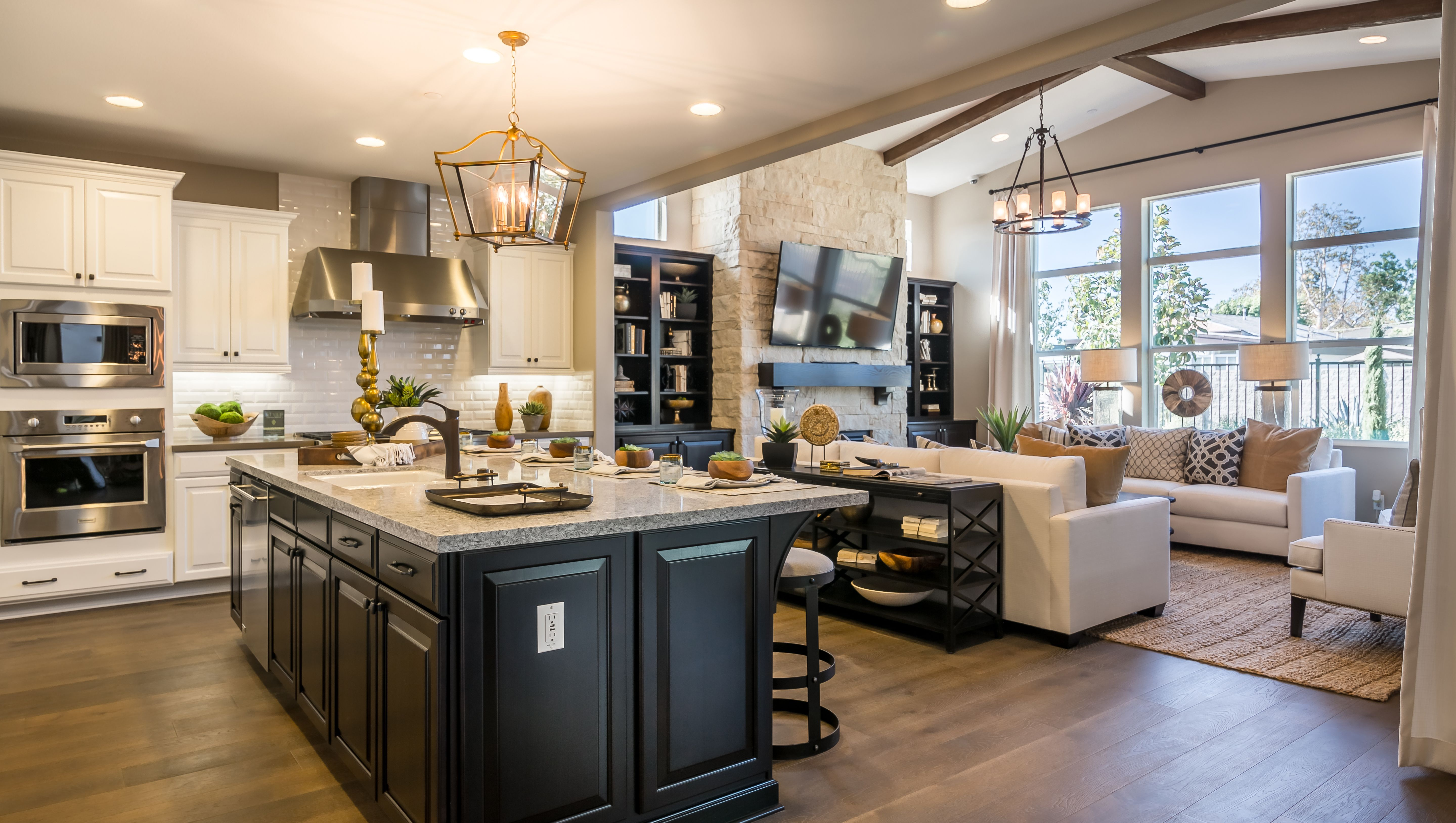 Gorgeous Black White Kitchen Opening Up To The Living Room Los Angeles California Findyourh Open Concept Kitchen Living Room Home Kitchens Kitchen Living